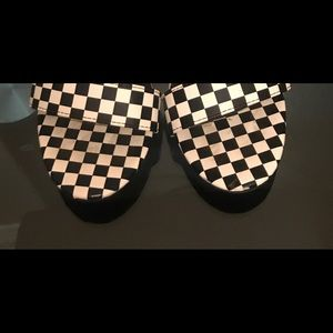 BAMBOO Shoes - White and black checkered heels from Windsor